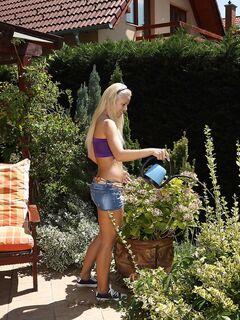 Фото блондинки с бритой киской - голые девушки.