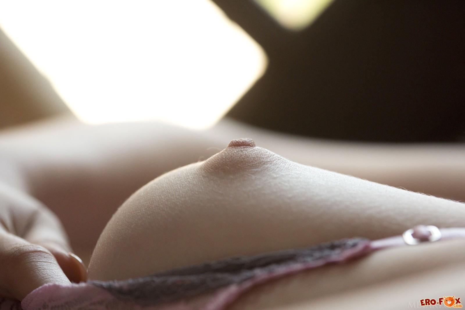 Красавица в пеньюаре без трусиков